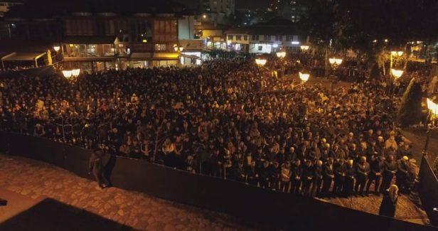 Novi Pazar i ove godine najljepše obilježio 27. noć ramazana: Hiljade vjernika na noćnom namazu