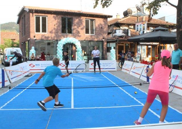 Novi Pazar ugostio NIS otvorenu školu tenisa za decu