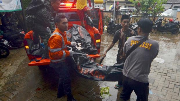Novi bilans: U udaru cunamija 373 osobe poginule