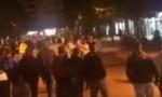 Novi građanski protest u Beranama: Policija se upinje da zabrani litije, a vernici ne daju svoje sveštenike (VIDEO)