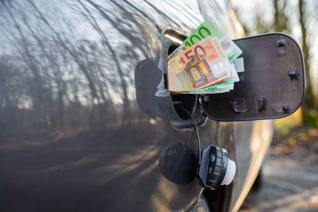 Novi izum domaćih šeika - zašto je gorivo skočilo 50 RSD po litru