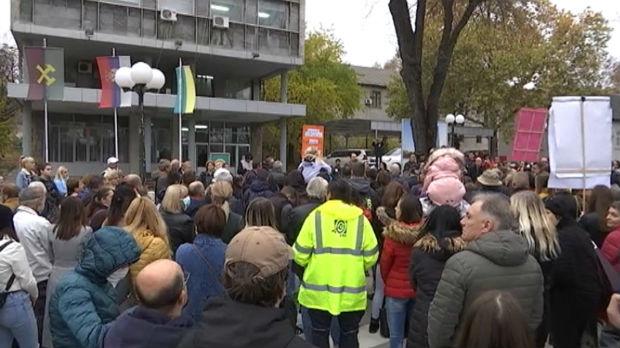 Novi protest u Boru, građani od Ziđina traže da smanji proizvodnju