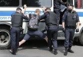 Novinari došli da podrže kolegu, svi uhapšeni FOTO