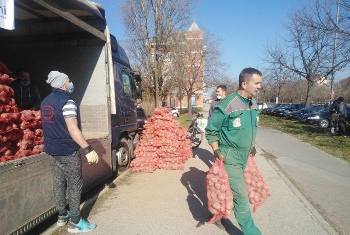 Tate Novosađani u akciji za spas domaćih proizvođača krompira