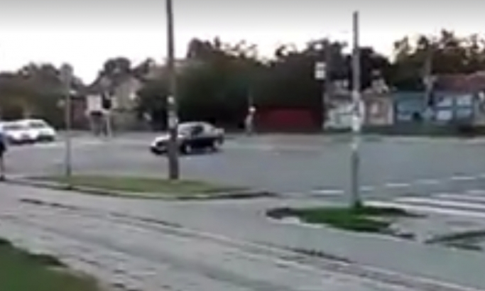 Novosadski fantom: Crni BMW divljao po ulicama (VIDEO)