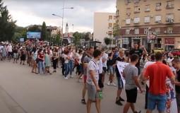 Novosadski studenti šetali u protestu do Pokrajinske vlade