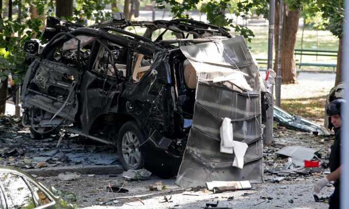 Novosti: Eksplodirao auto voditeljke Pinka (FOTO)