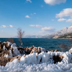 O MORE, MORE SINJE: Sneg zabeleo sve do Jadrana (VIDEO)