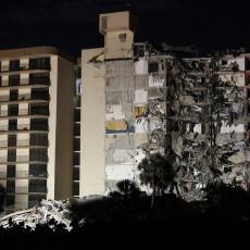 OBISTINILE SE CRNE SLUTNJE: Iz ruševina u Majamiju izvučeno beživotno telo žene, među povređenima i dečak (10) (FOTO/VIDEO)