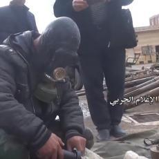 ODAKLE IM IZRAELSKA MUNICIJA? Sirijska vojska predstavila JAVNOSTI zaplenjeno ORUŽJE Islamske države