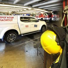 ODJEKNULA EKSPLOZIJA U CENTRU LESKOVCA: Izbio požar na trafostanici, građani uznemireni