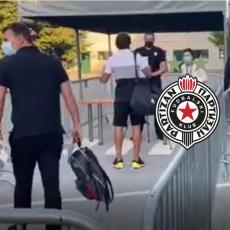 ODJEKUJE: SAMO JEDAN KLUB, SAMO JEDAN... Rigorozna kontrola pred ulazom na stadion Partizana (VIDEO)