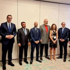 ODLIČAN SASTANAK Oglasio se predsednik Srbije nakon održanog foruma - Srbija ulazi u novu eru razvoja (FOTO)