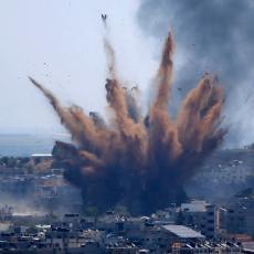 ODMAZDA U CIK ZORE:  Izraelsko vazduhoplovstvo sravnilo sa zemljom vitalne saobraćajnice, pogođena kuća lidera Hamasa u Gazi