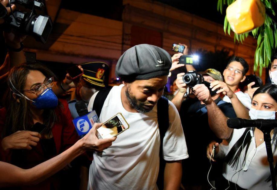 ODROBIJAO SVOJE! Ronaldinjo pušten iz zatvora: Čarobnjak je sada slobodan čovek, ali ne u potpunosti... (FOTO)