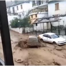 OMILJENA SRPSKA LETOVALIŠTA POD VODOM: Proglašeno vanredno stanje, najkritičnije u Tasosu i Halkidiju (VIDEO)