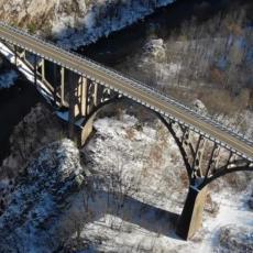 ON JE JEDAN OD 20 NAJLEPŠIH NA SVETU Most na Đurđevića Tari stigao i na film, ovo je njegova istorija! (VIDEO)