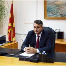 ON JE KOMADAO SRBIJU NA POŠTANSKOJ MARKI: Ovo je BESRAMNI ALBANAC na čelu pošte Severne Makedonije (FOTO)
