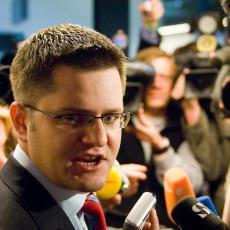 ON je tužan primer promašenog i zabludelog čoveka Đurić BRUTALNO odgovorio Vuku Jeremiću!