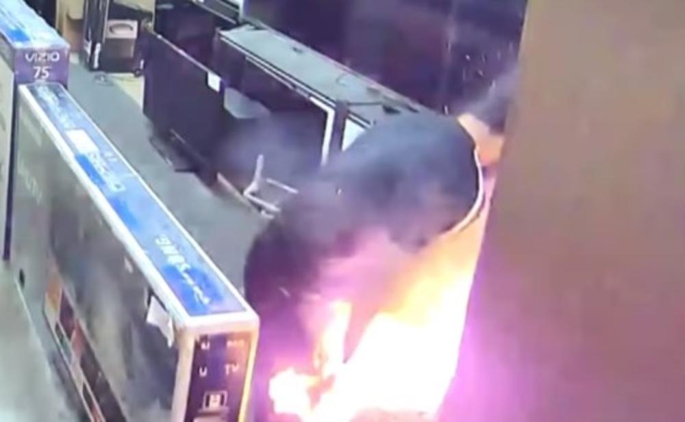 OPASNE ELEKTRONSKE CIGARETE: Amerikancu eksplodirala u džepu, zadobio teške opekotine (VIDEO)