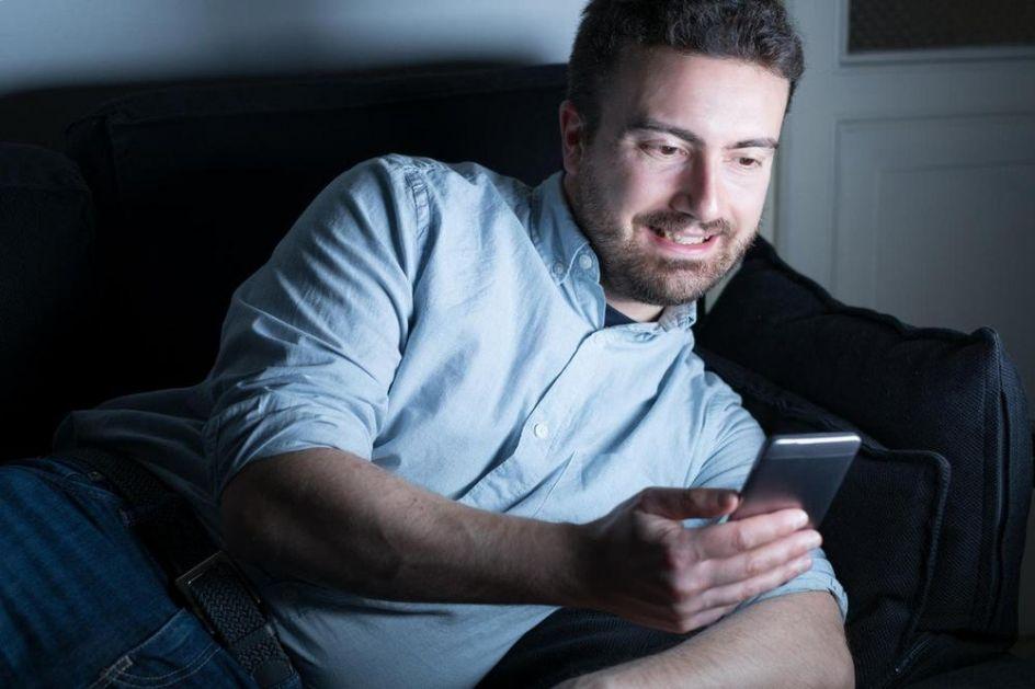 OPREZ! POJAVILA SE NOVA TELEFONSKA PREVARA: Čovek poslao fotku bankovne kartice preko Vajbera, pa mu skinuli 600 evra