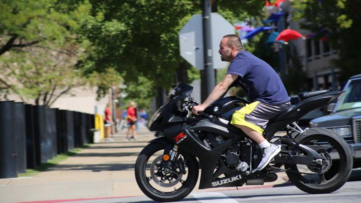 OPREZ ZBOG MOTORISTA! Toplo vreme izmamiće dvotočkaše koje je nekada u vožnji teško videti