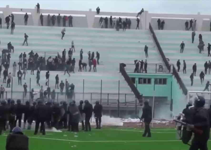 OPŠTI HAOS U ALŽIRU: Žestok sukob navijača sa policijom, više od 60 povređenih! (VIDEO)