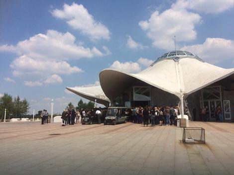 ORLOVAČOM ODJEKUJE PLAČ Okupilo se stotinu ljudi da isprate Maju i Mihaila