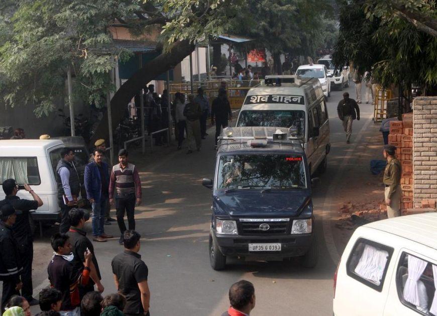 OSAM POLICAJACA UBIJENO U ZASEDI U INDIJI: Pucnjava u selu na severu zemlje, za napadačima se traga