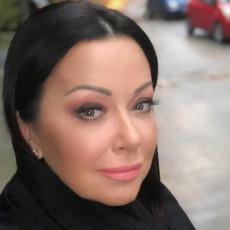OSTALI SMO BEZ DINARA, majku sam vodila na HEMIOTERAPIJE! Draganu Katić stalno gledamo nasmejanu, a malo ko zna šta se krilo iza osmeha...