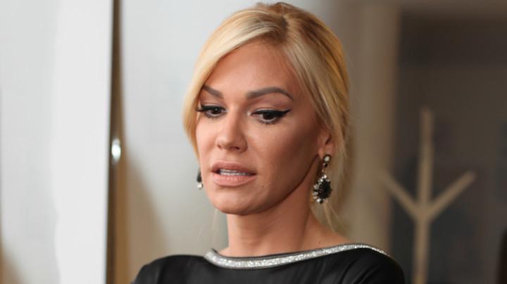OTEČENA OD PLAKANJA! Nataši Bekvalac sve krenulo po zlu, pevačica se oglasila i poručila: NE ZNAM DA SE PONAŠAM! (FOTO)