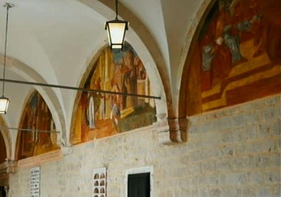 OTKRIVAMO OTKUD PRAVOSLAVNE FRESKE U SAMOSTANU! Franjevci bežali od srpskog kralja Uroša pa premestili manastir i freske
