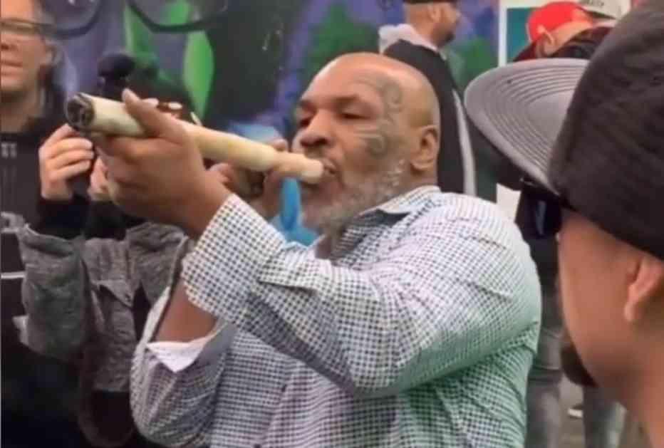 OVAKO IZGLEDA NADUVANI MAJK TAJSON: Slavni bokser stigao na festival marihuane kao specijalan gost, pa zapalio ogroman džoint! Priznao da je koristio travu i tokom karijere! (VIDEO)