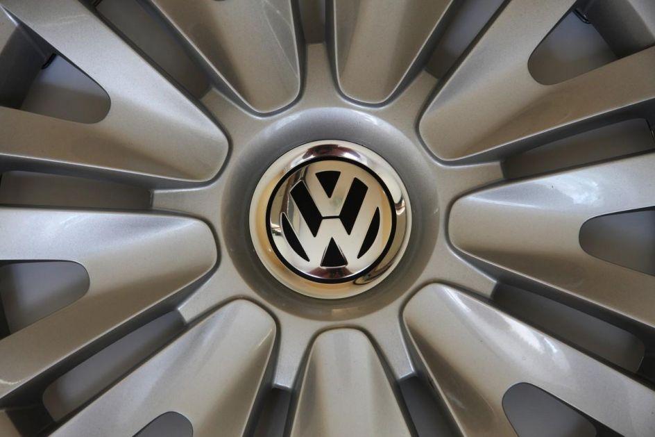 OVAKO IZGLEDA: Novi VW Golf GTI poleteo na Nirburgringu (FOTO)