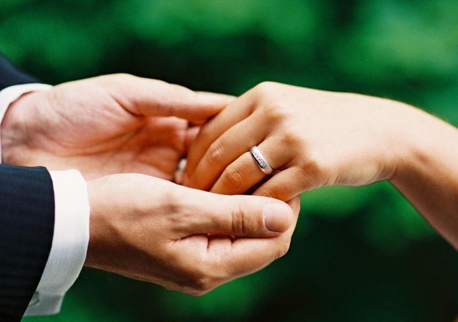 OVAKO ORBAN POBEĐUJE U RATU ZA NATALITET: U Mađarskoj sve više sklopljenih brakova, čekaju se bebe!