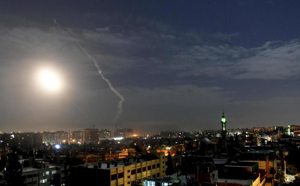 OVAKO PRAŠI RUSKI PVO U SIRIJI: Pogledajte akciju Pancira i Buk-a u odbrani Damaska (VIDEO)