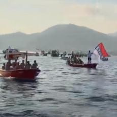 OVAKVU LITIJU DO SADA NISTE VIDELI! Budva brani svetinje čamcima i barkama (VIDEO)