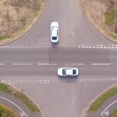 OVO JE RASKRSNICA BUDUĆNOSTI: Neće imati semafore i prilično JEZIVA, evo zašto! (VIDEO)