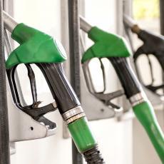 OVO MORATE ZNATI AKO IDETE NA ODMOR KOLIMA: Gde sipati gorivo, možete uštedeti i do 20 evra