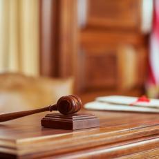 OVO SU NAJDUŽE ZATVORSKE KAZNE: Da li ste znali da je jedna žena osuđena na čak 141.078 godina?