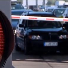 OVO VAS ČEKA NA GRČKOJ GRANICI: Vozači trube, formirana duga kolona vozila (VIDEO)