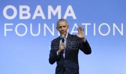 Obama: Trampova reakcija na korona virus apsolutna haotična katastrofa