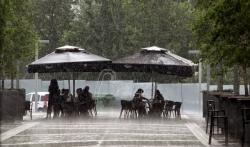 Obilni pljuskovi, grmljavina i grad od popodneva u Srbiji - upozorili meteorolozi