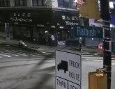 Objavljen snimak trenutka kada je Bosanac napao nožem policajce u Njujorku VIDEO