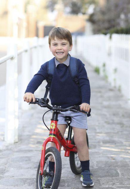Objavljena fotografija princa Luisa pred treći rođendan