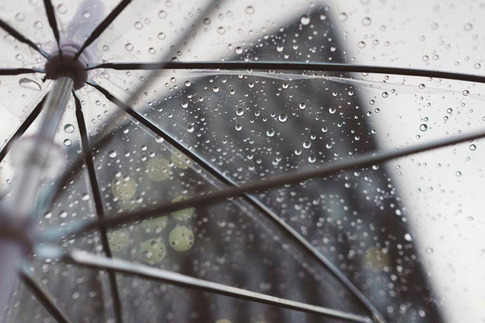 Oblačno s kišom i malo hladnije