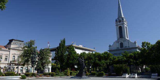 Obnovljen spomenik kralju Petru Prvom u Bečeju