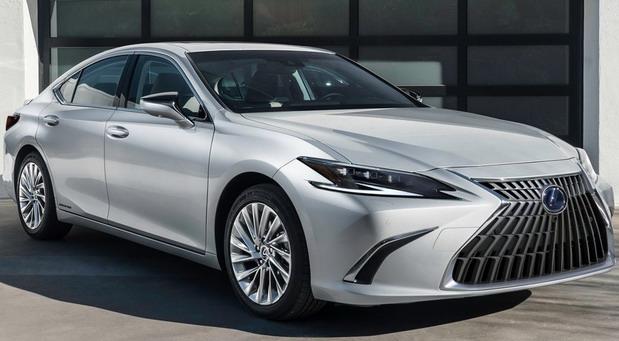 Obnovljeni Lexus ES