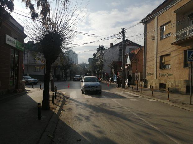 Oboren pešak na uglu Karađorđeve i Vula Antića