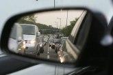 Šleper preprečio auto-put, nema zastoja, saobraćaj se odvija zaustavnom trakom FOTO